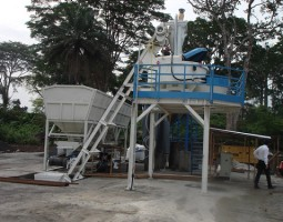 Mini stationary concrete plant in Kongo
